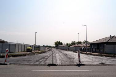 A nyári szünet alatt több mint 60 kilométernyi utat újítottak fel Nyitra megyében