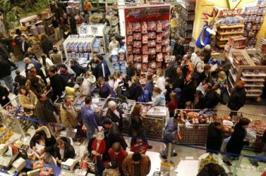 Szentestére véget ér a vásárlási láz – így módosul a hazai üzletláncok nyitva tartása