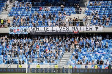 A SFZ nem hagyja szó nélkül, hogy a Slovan szurkolói lekurvázták Matovičot (videó)