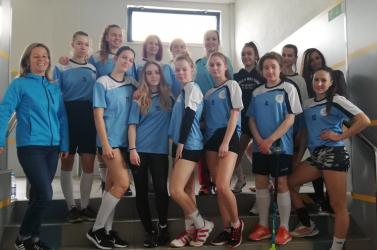 Floorball: Hengereltek a Vámbéry gimis lányok