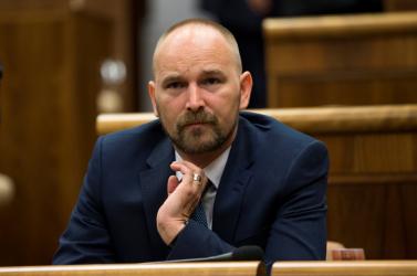 Fiatal polgári aktivista ül be Viskupič helyére a parlamentbe