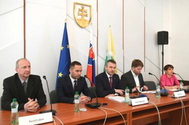 A kormány folytatja a kétnapos kelet-szlovákiai körútját