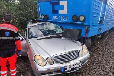 67 éves férfi vesztette életét Pozsonyivánkán avasúti átjáróban (videó)