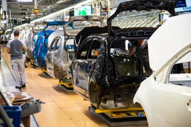 KORONAVÍRUS: Legkésőbb kedd déltől leáll a Volkswagen pozsonyi, stupavai és turócszentmártoni gyára is