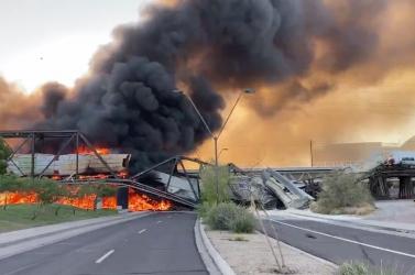 Kisiklott, majd lángba borult egy veszélyes anyagokat szállító tehervonat Arizónában (VIDEÓ)