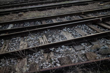 Halálos vonatgázolás Nemesócsánál, a halott férfit a síneken csak a következő szerelvény vezetője vette észre