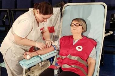 Közel százan adtak vért Bálint-nap alkalmából a dunaszerdahelyi Maxban