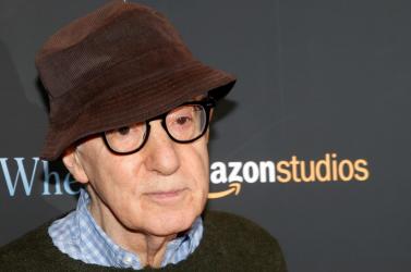 A Hatchette könykiadó sem adja ki Woody Allen életrajzát