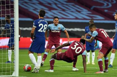 Kikapott a West Hamtől a Chelsea