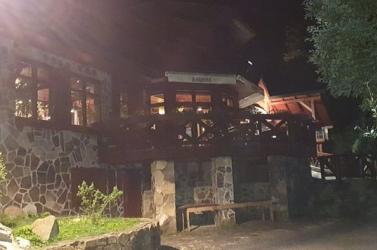 Lövöldözni kezdett egy férfi egy vendéglőben a Csorba-tónál!