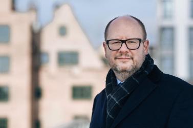 Még mindig kritikus az állapota a megkéselt gdanski polgármesternek!