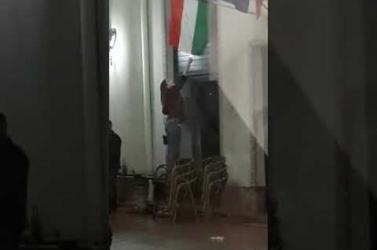 Magyar zászlót próbáltak felgyújtani Nagyváradon (Videó)