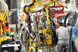 Százezernél is több munkahely szűnhet meg a német járműiparban