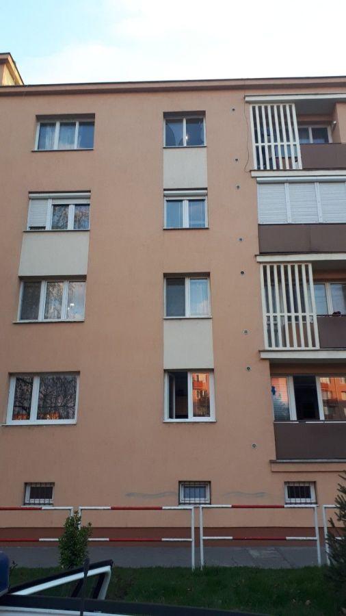 Nem először bukkant fel a lakás ablakpárkányán az ötéves kisfiú – a korábbi eset kis híján az életébe került