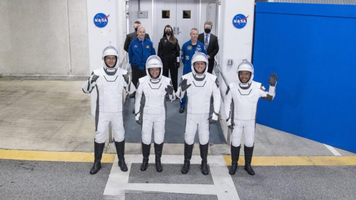 Elindult a Nemzetközi Űrállomásra a SpaceX űrhajó négy asztronautával a fedélzetén (VIDEÓ)