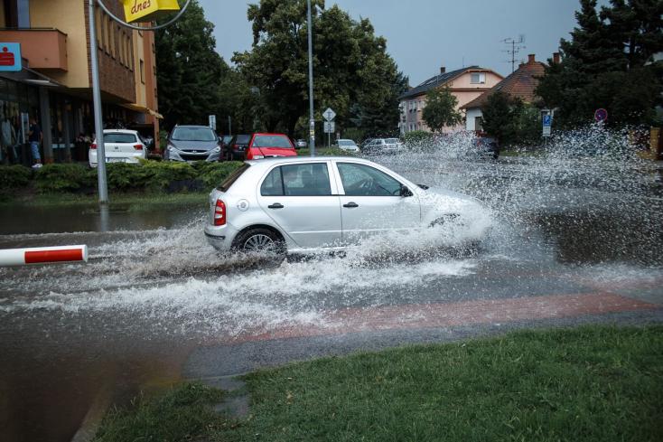 Jégveréssel csapott le a felhőszakadás Dunaszerdahelyre és környékére! (VIDEÓK, FOTÓK)