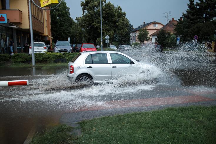 Szerdán nagy esők jönnek, de a Csallóköz megússza figyelmeztetés nélkül