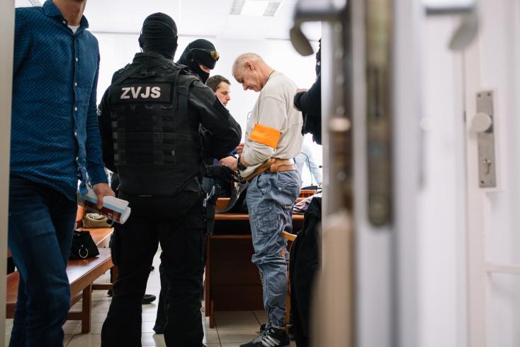 Szabadon engedték Horváth Lehelt és fiát, de a börtönkapuban már lesben álltak a rendőrök