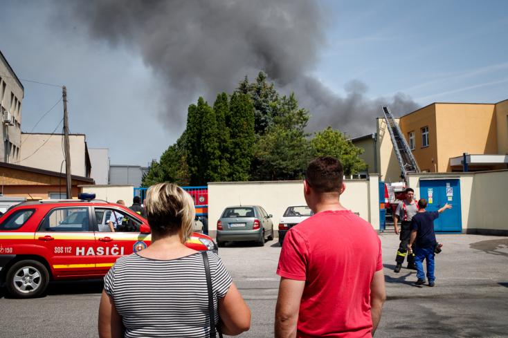 Tűz ütött ki a dunaszerdahelyi Minit épületében!