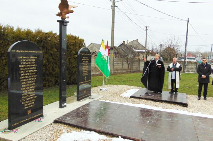 Emlékművet avattak Szapon a szabadságharc emlékére