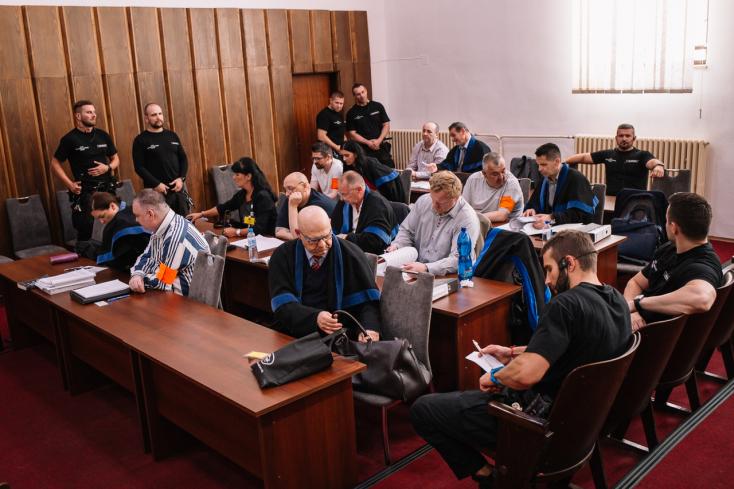 Kádár tovább tagadta a gyilkosságokat, majd félbeszakadt a csallóközi maffia büntetőpere