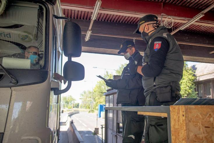 Könnyen lehet, hogy szigorítani fogják az ellenőrzéseket a cseh-szlovák határon