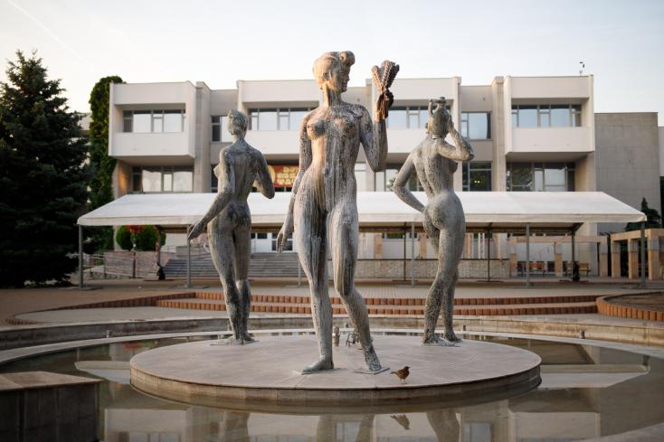 Hájost inspirálta a megye, és visszahívatott három igazgatót Dunaszerdahelyen