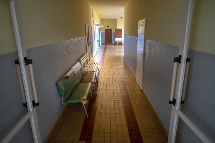 Botrány egy szlovákiai kórházban: megtagadta a szájmaszkviselést és a koronavírustesztet egy terhes nő