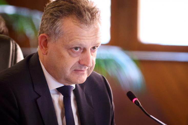 KORONAVÍRUS: Óva int a spekulációktól és az ellenségeskedéstől Hájos Zoltán