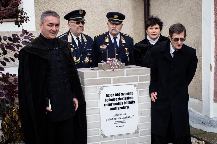 Horthy-szobor: A református püspök megkapta a hodosiak petícióját