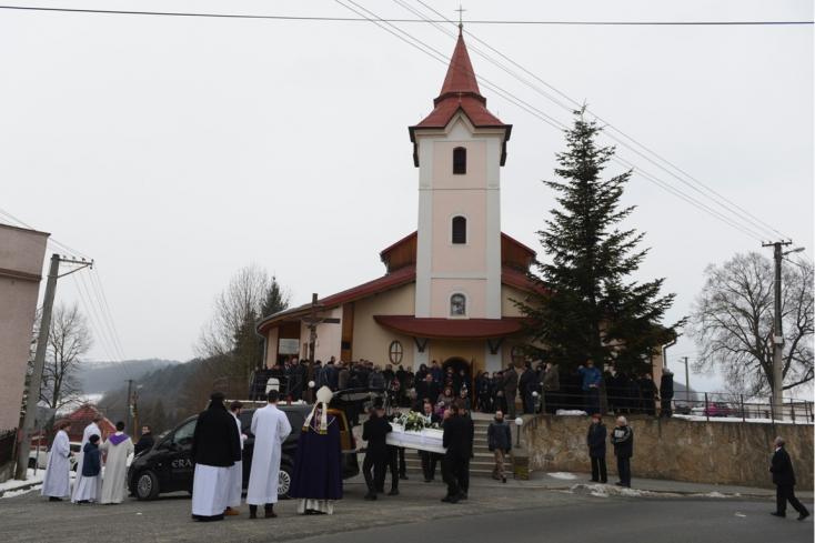 Elbúcsúztatták Martina Kušnírovát, a meggyilkolt újságíró menyasszonyát