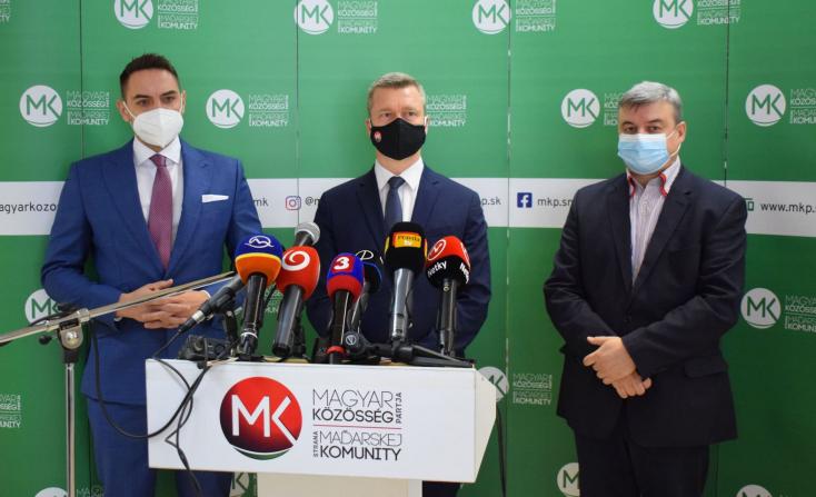 Bocsánatkérést vár az MKP Martin Klus külügyi államtitkártól, mert biztonságpolitikai kockázatnak nevezte a szlovákiai magyarokat