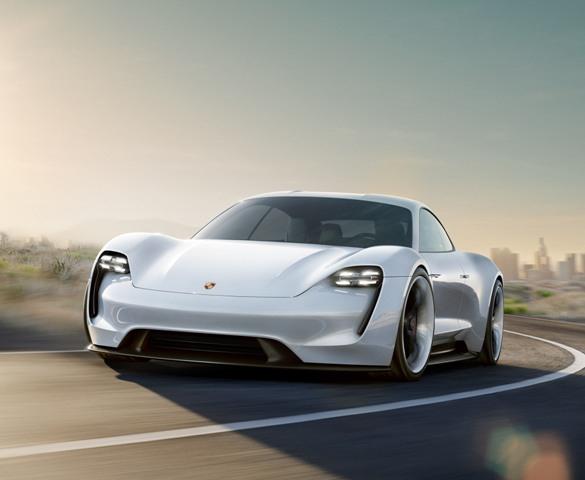 A Porsche a jövőben még több pénzt fog költeni az elektromos autók gyártására