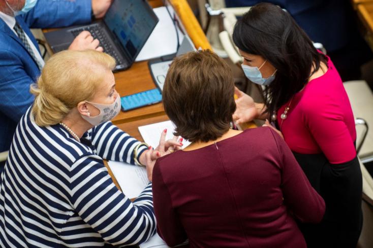 Egy ideig még biztosan nem változik az abortusztörvény, de mit akart Záborská és mit Bittó Cigániková?