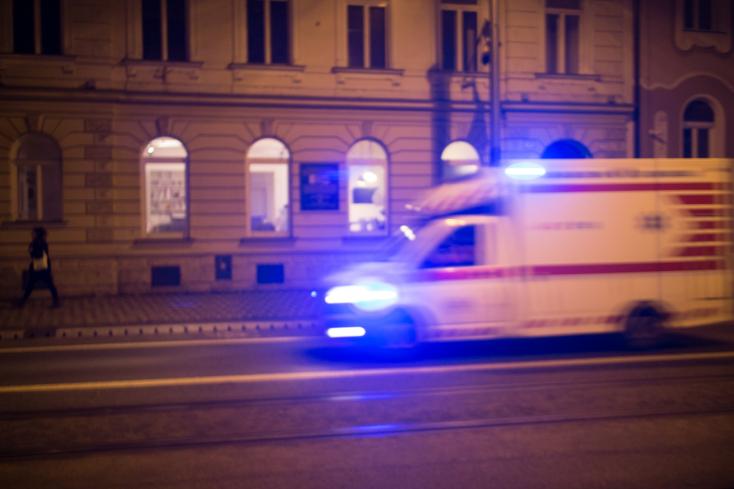 Több mint 250 embert láttak el az orvosok szenteste Pozsonyban, a karácsonyi vacsora senkinek nem akadt a torkán