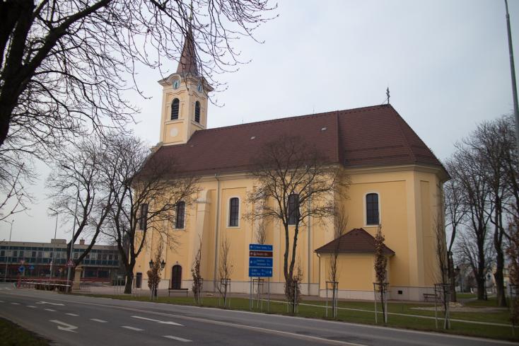 Vasárnap délután egy időben megszólal Szlovákia összes katolikus templomának harangja