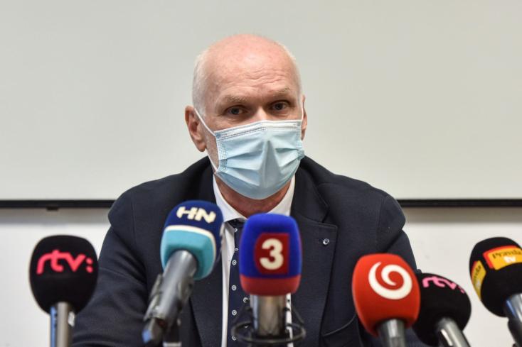 Beszólt az orvosi kamara elnöke a kormánynak: mivel nem veszik komolyan, inkább nem vesz részt a válságstáb munkájában