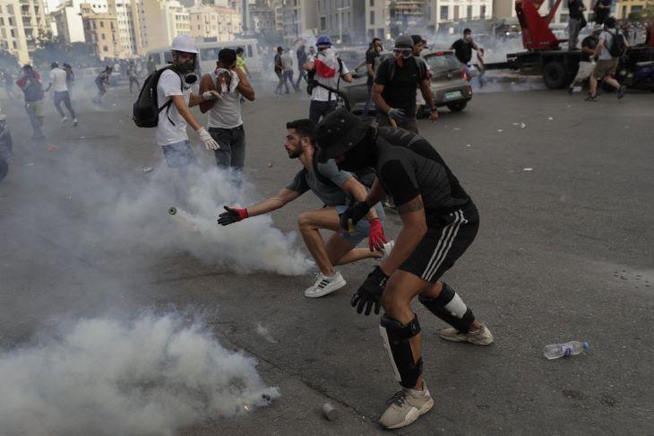 Ezrek követelték a politikai elit távozását Libanonban
