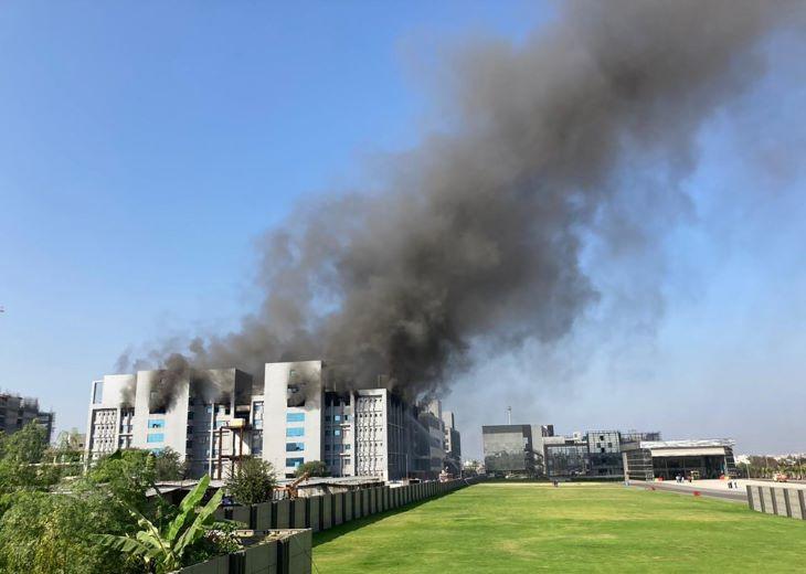 Tűz ütött ki a világ legnagyobb vakcinagyártó intézetében Indiában