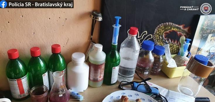 Rendőrségi akció: droglabort üzemeltetett a lakásán egy fickó