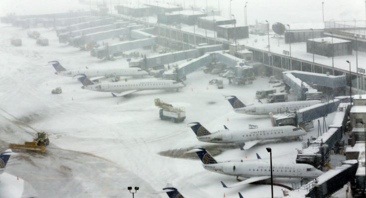 Légi járatok százait törölték Chicagóban az erős a havazás miatt