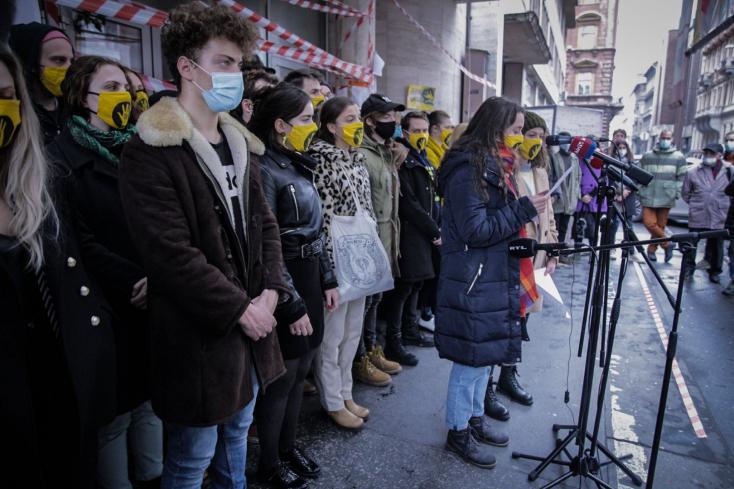 """SZFE: Hazamennek a hallgatók, de a """"blokádot magukkal viszik"""", a tiltakozást folytatják, míg a hatalmi elnyomás meg nem szűnik"""