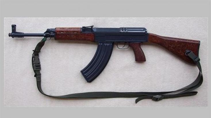 Gépfegyvert talált a Kis-Dunában egy nagymagyari mágneshorgász!