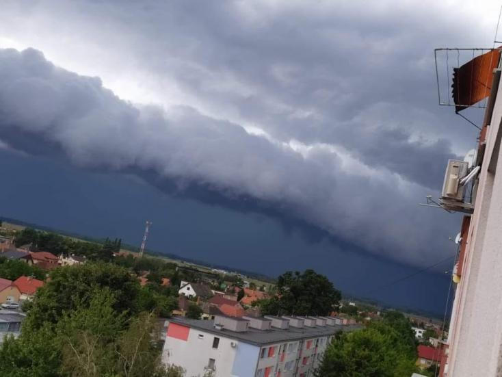 Így vonultak végig az ország délnyugati részén a rémisztő viharfelhők (KÉPGALÉRIA)