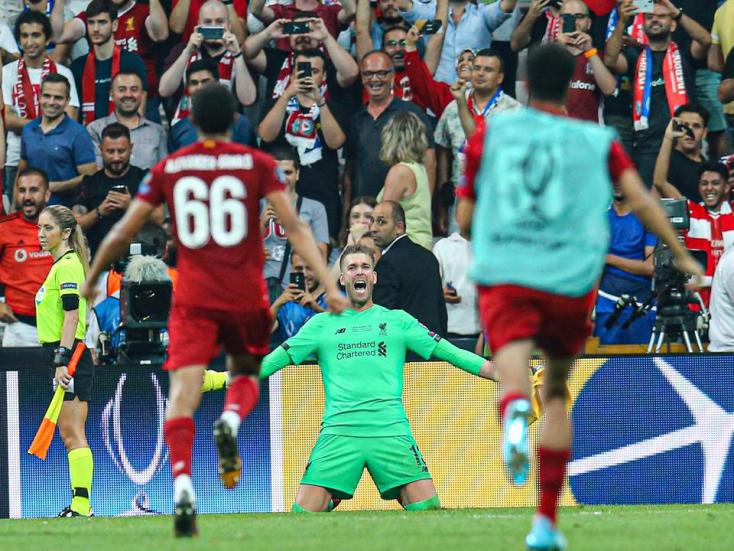 Premier League - Szurkoló miatt sérült meg a Liverpool kapusa