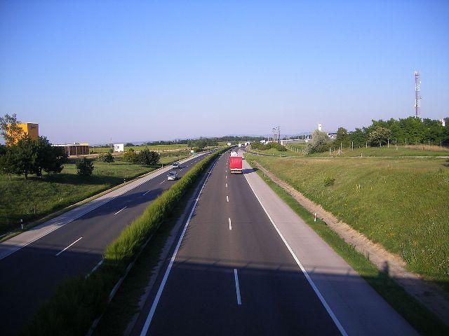 A Pozsony felé vezető magyarországi M1-es autópályán korlátozások lesznek