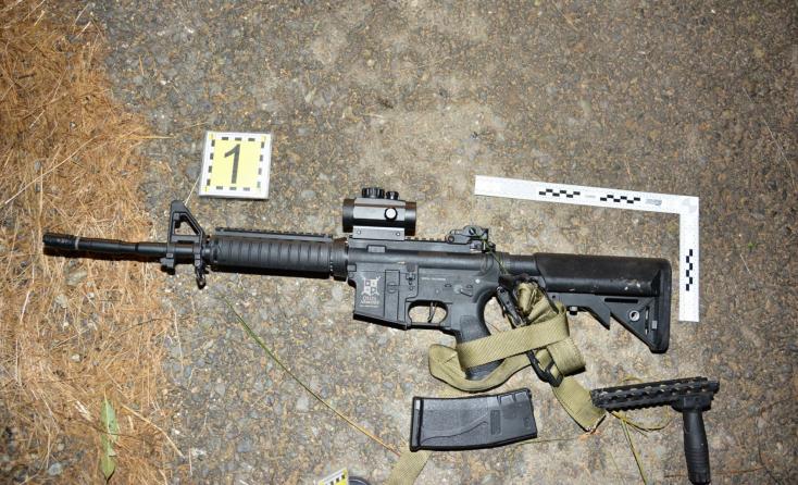 Fegyveres fickó fenyegetőzött egy halastónál, lövések is dördültek