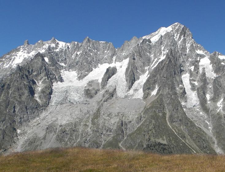 Naponta csaknem 50 centimétert csúszik az összeomlóban lévő olaszországi gleccser