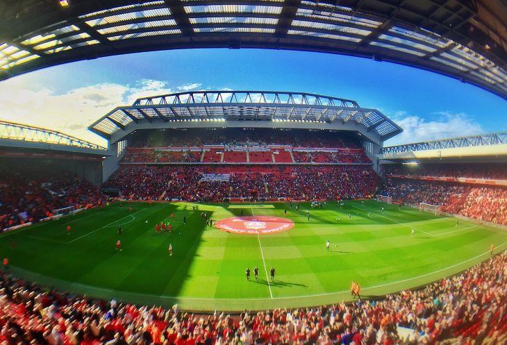 Csúszik a Liverpool stadionbővítése a járvány miatt