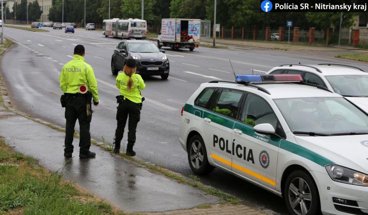 A rendőrség figyelmeztet: senki se utazzon Nyitrára!